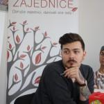 Daniel lyssnar intensivt när vi besöker Tuzla Community Foundation.