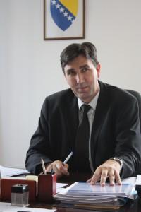 Utbildningsminister Izet Jagodic visade intresse för folkbildningstanken.