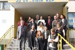 I förorten Simin Han träffade vi representanter för Unga Örnar, Youth Bank, Smile for Smile och allktivitetshuset Labirint.
