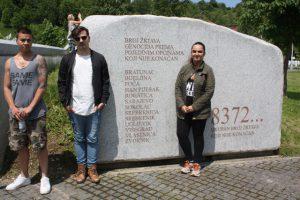 Besök på minnesplatsen i Potocari, Srebrenica.