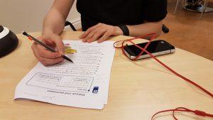deltagare skriver