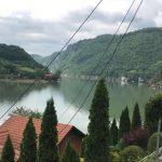 På väg mot Srebrenica flyter gränsfloden Drina. Foto - Nahida Safari