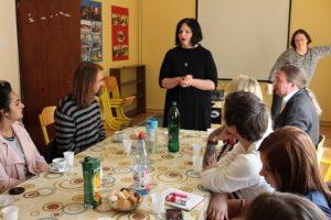 Ansvariga på ViviZene berättar om hur det jobbar med utsatta kvinnor. Foto - Jan Pettersson