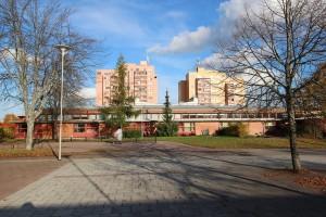 1024px-Bäckby_Torg_Västerås_04